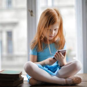 【Business】スマートフォンに見るデジタル化