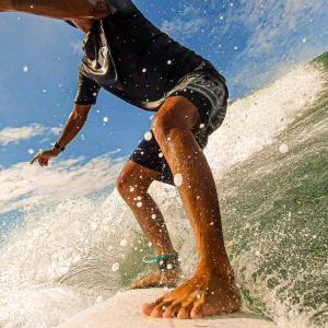 バリ島の季節と波の関係性・季節別のオススメサーフスポット