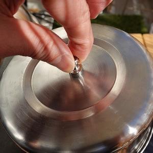 強力磁石とステンレスボウルで被せ蓋を作る