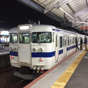 JR山陽本線の下関駅ホームで撮影した415系電車