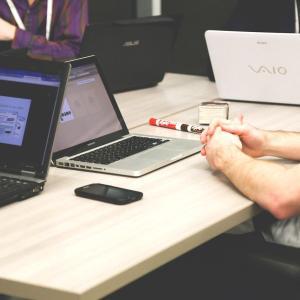 高卒からベンチャー企業に転職はできるのか?【転職方法を解説!】