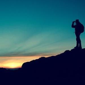 「山の日記念・川柳大賞」の紹介 株式会社ヤマップ(YAMAP)が主催する「山の日(8月10日)」を記念した川柳コンテスト ハイキング、山小屋、自然など登山にまつわる川柳