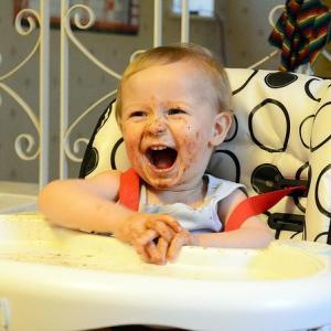 息子(2歳)の遊び食べが本格的に始まりました。