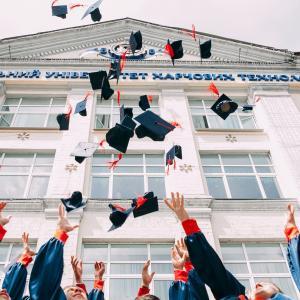 教育ローン金利を見直そう!金融素人の僕にもできた、たった一つの方法!!