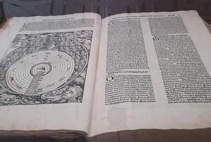 マフラ宮殿の錬金術古書とパイプオルガンとカリヨンと