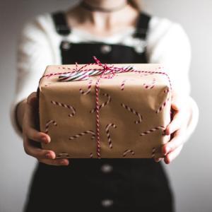 派遣社員が送別時に贈りたいおすすめプレゼント5選