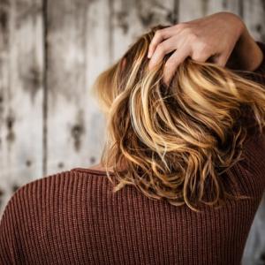 節約の為に癖毛を改善させた改善術