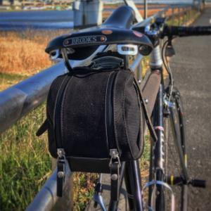 【自転車】BROOKSの革サドルに似合うサドルバッグ