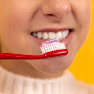 歯を白くする裏技!重曹・歯磨き粉・クレスト3Dホワイトなど調べてみた