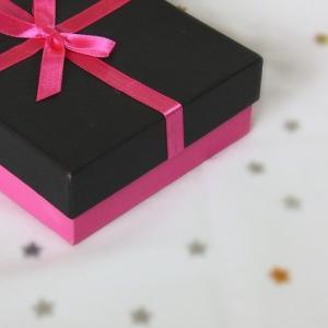 バレンタインプレゼントを彼氏にチョコと一緒に渡すなら何がいい?おすすめを紹介