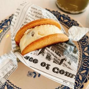 ファミマのバタービスケットサンド口コミとカロリーを調査!人気の味はどれ?
