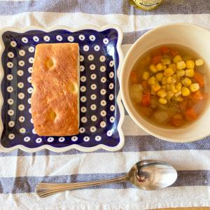 野菜コンソメスープとフォカッチャ