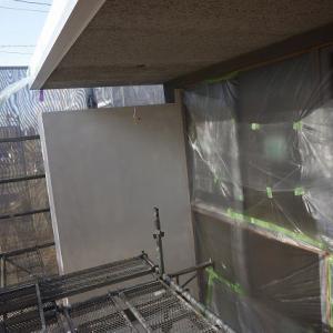 新社屋外壁工事下塗り