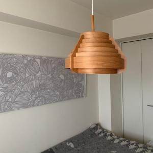 寝室の照明 ヤコブソンとFLOSでヒュッゲな時間。気になっている照明パンテラ ポータブル。