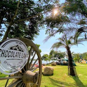 【キャンプ場併設】シラチャ・カオキオの湖畔を望むカフェ「Chocolate lake」でゆったりとした時間を!