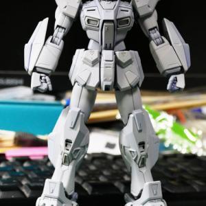 [製作]MG ガンダムF90 04「サーフェイサー塗装しました」