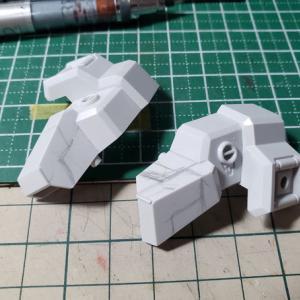[製作]HG ガンダムTR-6 ハイゼンスレイⅡ・ラー製作 04「スジ彫りでパネルラインを追加します。」