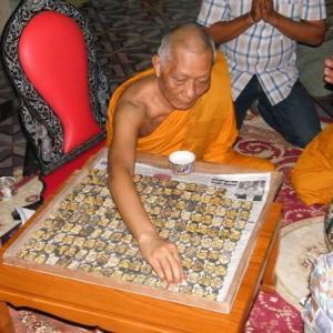 Luang Phor Sakorn(ルアンポーサコーン)  プラクルアン