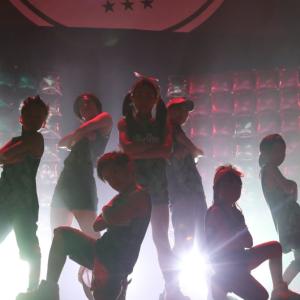オランダのダンサーとビデオ通話でダンス