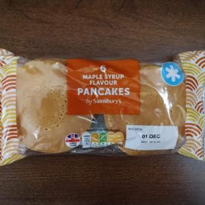 イギリス 菓子パン 6 MAPLE SYRUP FLAVOUR PANCAKES by Sainsbury's