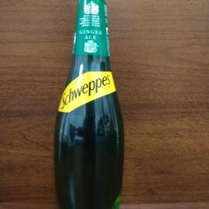 イギリス【王室御用達】 ジンジャエール Schweppes Ginger ale