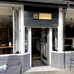 イギリス【旅行】 ウィンザー城 カフェで朝食 Esquires coffee