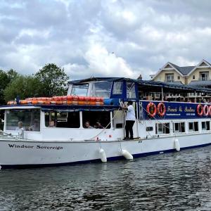 イギリス【旅行】 ウィンザー城 テムズ川 遊覧船 40分コース 40 minute boat trip