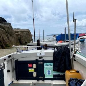 イギリス【旅行/ナショナルトラスト】 セントマイケルズマウント2 ボートで島へ向かう St Michael's Mount