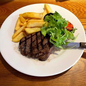 イギリス【外食/ビーフイーター】 ランプステーキ Rump Steaks