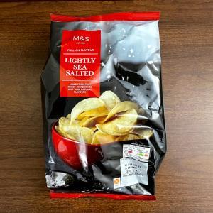 イギリス ポテトチップス(クリスプス:Crisps) M&S Lightly sea salted