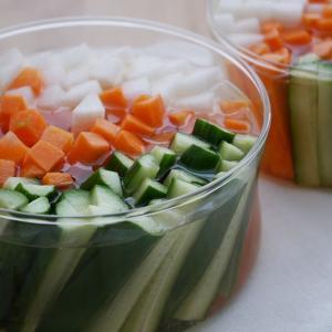 野菜スティック|やさしいお酢に漬けるだけ♪おやつ代わりにつまんでも