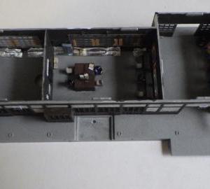 駅舎の組み立てと信号てこ小屋