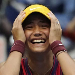 テニスの全米オープン女子で18歳のラドゥカヌが優勝 予選出場からの頂点到達は史上初  [爆笑ゴリラ★]