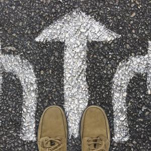 仕事を辞めたいと思ったときの3つの選択肢について【継続・転職・副業】