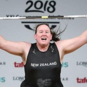 性転換女子重量挙げ選手としてオリンピック出場・・・・・