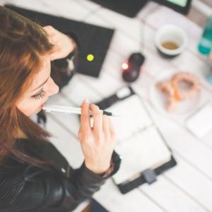第一生命の内勤を辞めたい!次のキャリアの可能性と転職の手順は?