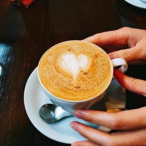 うるま市・Tettoh coffeeで「島ラテ」を飲みながらモーニングタイム。