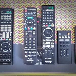 とうとう解決★テレビ周りのリモコンを1つにしたい
