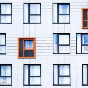 マイホームの窓は少ないと最近感じる!あなたはどうしたいですか?
