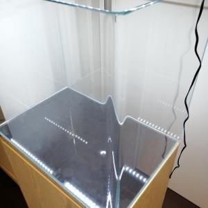 ガラス水槽を郵送する