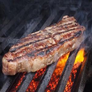 肉好き必見⁉自宅で食べるステーキをワンランク上げるおすすめのソースとは?