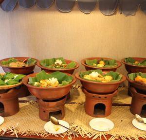 ローカルフード満載の朝ご飯がいただけるホテル「Metland Hotel Cirebon By Horizon」