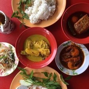 ポートディクソンで辛くて美味しいマレー系料理を楽しむなら「ASAM PEDAS KASIH IBU」