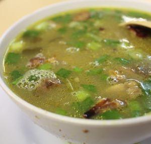 常夏の国の小さな町ムアーでいただくトロトロ絶品山羊スープ