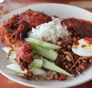 マレーシアで一番有名なNasi Lemak(ナシ ルマッ)と言えば「Village Park Restaurant」