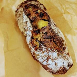 【麻布・六本木】人気パン屋さんブリコラージュで季節限定パンを購入。