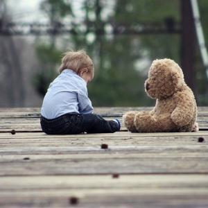 反対の意味の言葉を話してしまう軽度知的障害児