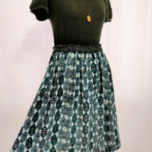 久留米絣の着物からワンピースにリメイクしたものからリメイクしたスカート