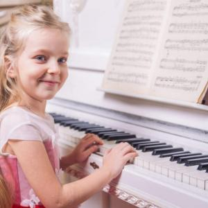 生田絵梨花のピアノ、歌唱の才能は宿命通り!2021年は転機の年で卒業?人気運と結婚運を占う!