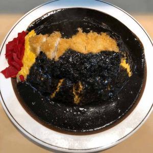 練馬で食べられる黒いオムカツカレー大盛【江古田・キッチンABC】